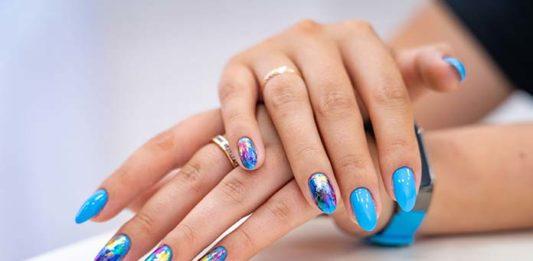 Modne ozdoby na paznokcie – co wybrać?