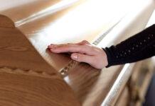 Czym cechuje się dobra firma pogrzebowa